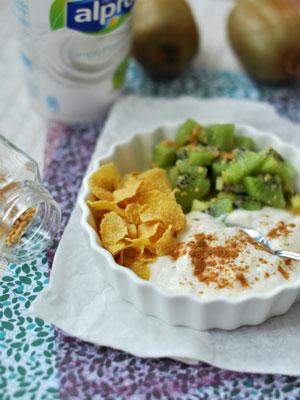kivis-joghurtos-reggeli-300