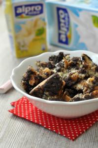 A tejmentes mákos guba recept nem csak laktózérzékenyek számára, hanem tejallergiásoknak is kitűnő édesség.