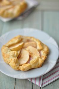Laktózmentes reggeli ötlet az almás, joghurtos reggeli lepény.