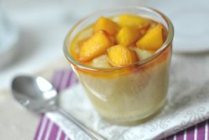 Kókuszos vaníliakrém karamellizált mangóval - laktózmentes