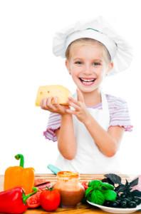A sajt és tejtermékek fontos kalciumforrások és magas biológiai értékű fehérjét tartalmaznak.