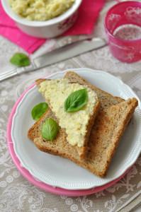 bazsalikomos gluténmentes, laktózmentes szendvicskrém recept