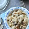 Gombás-baconös csirkeragu – rizstejszínes tejmentes recept