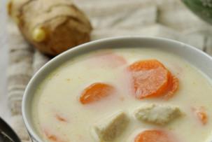 Gyömbéres leves – kókusztejszínnel